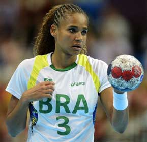 http://www.handballspecials.at/wp-content/uploads/2014/01/alexandra-do-nascimento-603875872.jpg